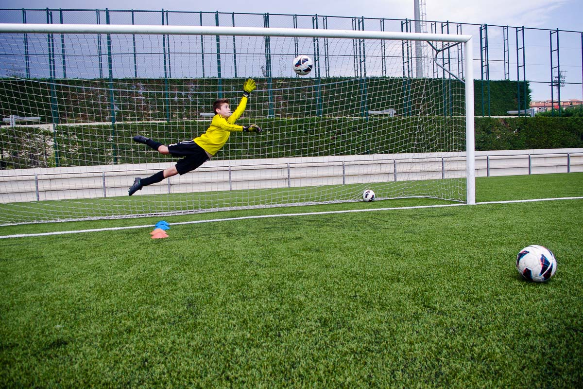 Diving Goalie